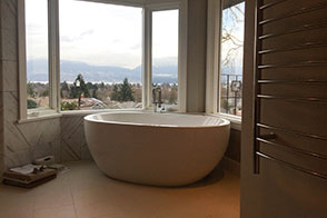 Bathtubs and Standalone Tubs